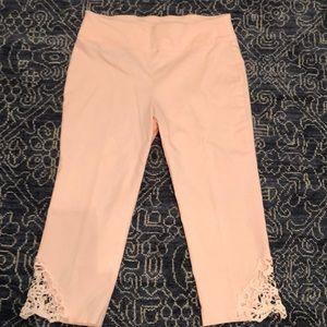 Attyre size 14P pink capris